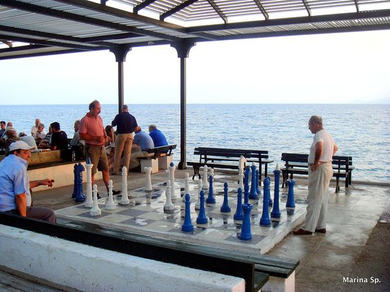 A game of chess by the sea