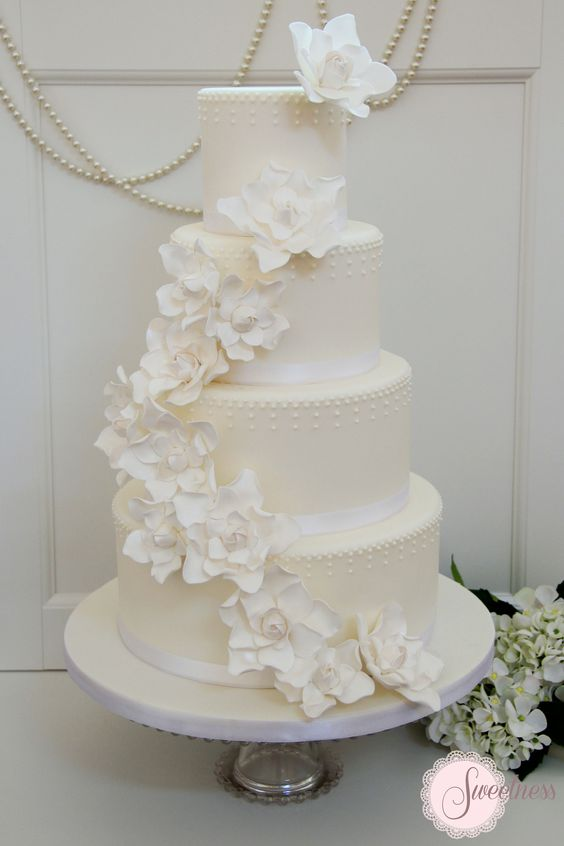 Gardenia Wedding Flowers | great gatsby wedding cake, white wedding cakes london, vintage wedding ...