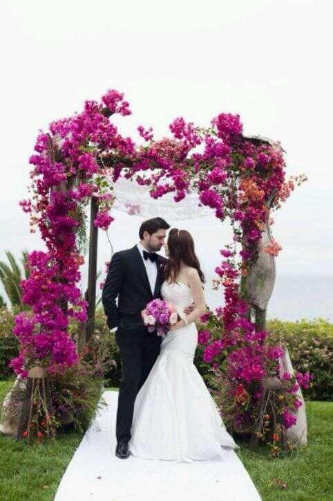 Porque los detalles son los que hacen una boda perfecta ! busca los tonos como el Radiant Orchid y pide a Dreams Eventos que te ayude a planear tu boda .  Visita www.dreamseventos.com.mx