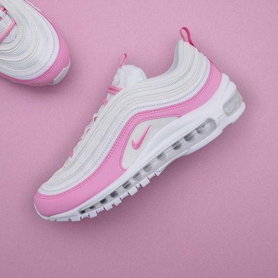 Mycket nytt på hemsidan, här är en nyhet för 2019 från Nike. Modellen heter Air Max 97 och färgen heter White/Psychic Pink. Finns i storlekarna 36-41 på www.footish.se •• Link in bio •• #nike #airmax97 #footish