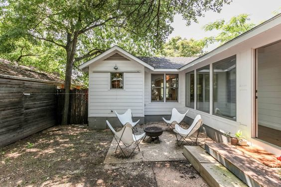 Check out this awesome listing on Airbnb: Contemporary East Austin Bungalow - Houses for Rent in Austin