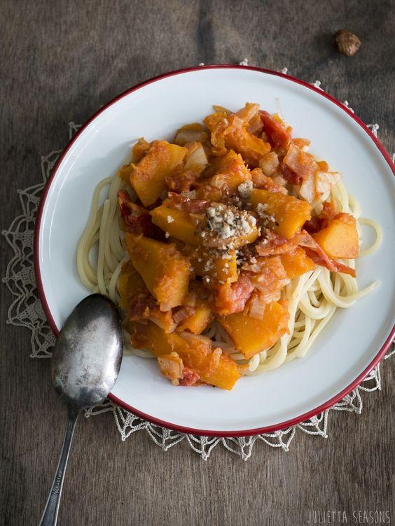 vegan butternutsquash fennel pasta with spicy hazelnutcrunch www.juliettaseasons.com