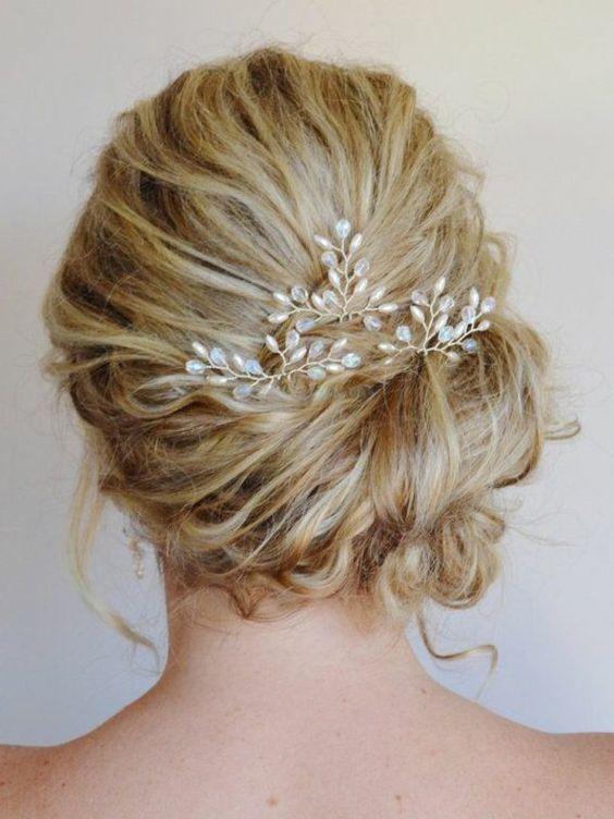 le bijou de cheveux le plus convenable pour les cheveux blonds, accessoire fleurs,chignon
