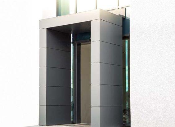S1-Eingangsüberdachung mit beidseitiger Seitenwand