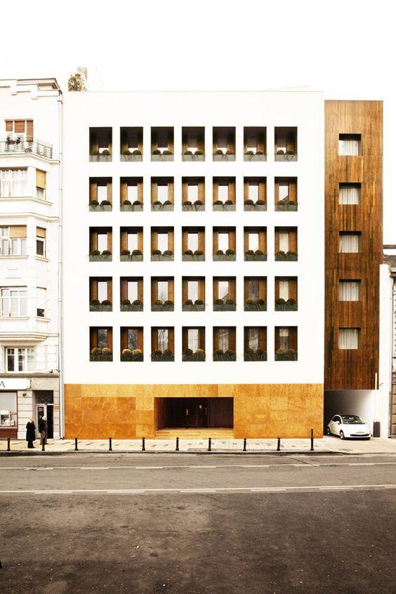 The Square Nine Hotel