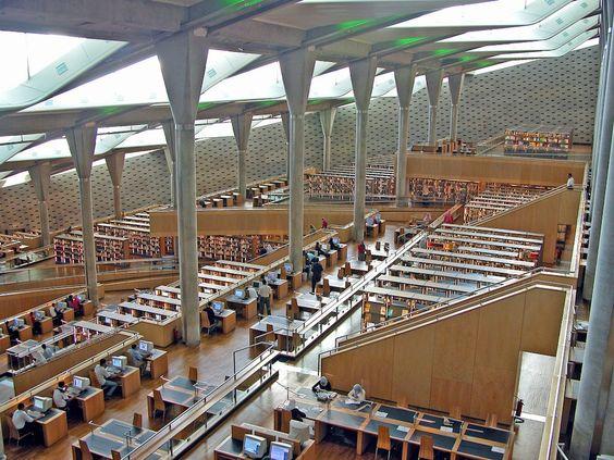 Biblioteca di Alessandria, Alessandria, Egitto (Foto: Dennis Jarvis) - http://www.ilpost.it/2013/07/19/foto-biblioteche/2217547922_81e0e3ac19_b/