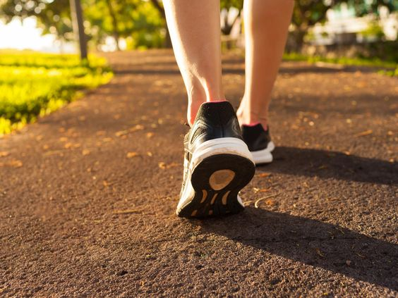 There's a certain amount of steps you should hit per minute if you're walking to lose weight, a new study says.