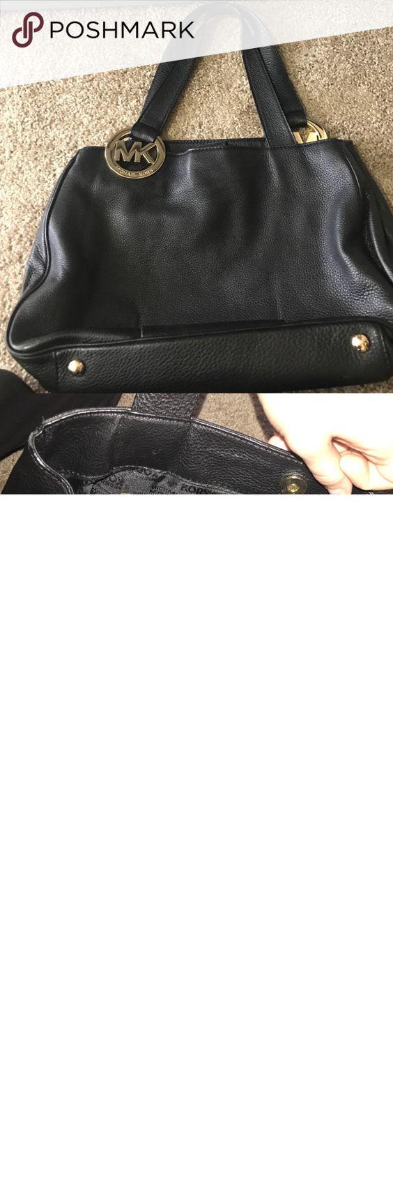 Micheal kors purse Black Michael kors purse. Slightly used looks new. KORS  Michael Kors