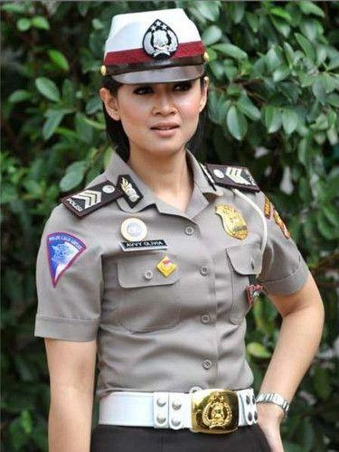 インドネシアの女性警察官