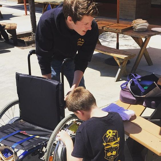 #SeaScouts from the @sssmakai washing wheelchairs at the Palo Alto Veterans Hospital. This service project is a triple play of a Scout being Helpful doing a good turn daily and upholding the third S of Sea Scouting: Service. Thank you for helping those who have served our country. #GetOnTheWater @deptvetaffairs