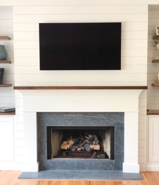 Pin By Emily Pierce On Home In 2020 Fireplace Remodel Farmhouse Fireplace Fireplace Hearth