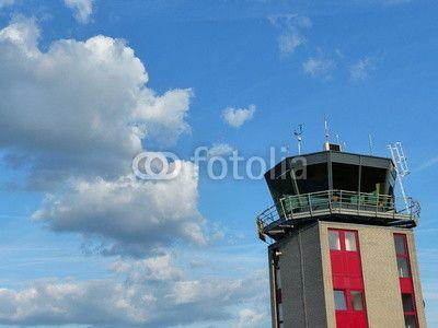 Tower der Flugsicherung am Segelflugplatz Oerlinghausen bei Detmold am Teutoburger Wald in Ostwestfalen-Lippe