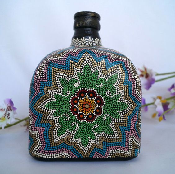 Botella pintada. Botella decorada. Hecho a mano. por DreamsandReves
