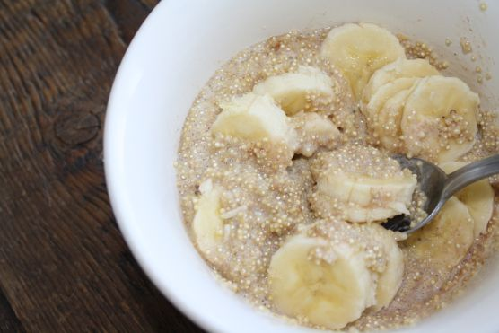 Banana/quinoa breakfast cereal