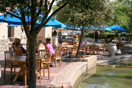 The River Outdoor Ping Restaurant Area Rancho Mirage Ca