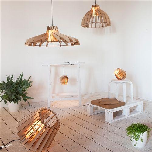 Gaaf voor boven de eettafel. Deze mooie houten hanglampen, gespot op: http://www.zook.nl/lampen/houten-hanglamp #hanglamp #dutch design #hout