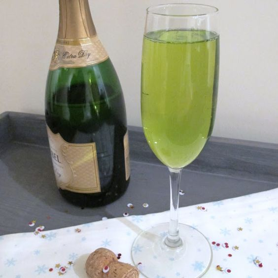 An Emerald Jewel Fizz to ring in the new year!