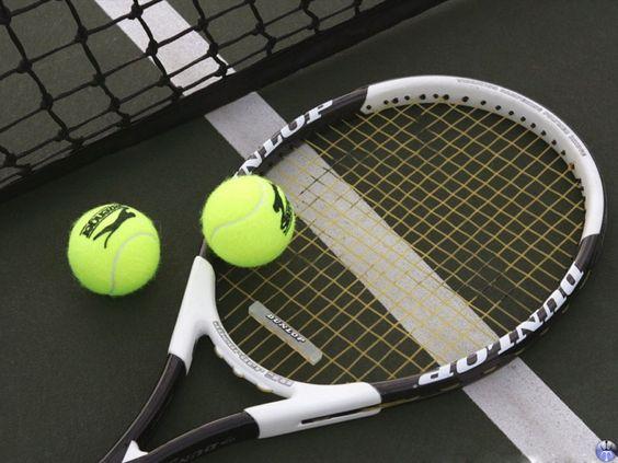 Tennis Racket And Balls_9710.jpg 800×600 pixels