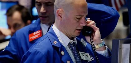 Wall St. falls for second day; small caps slide again