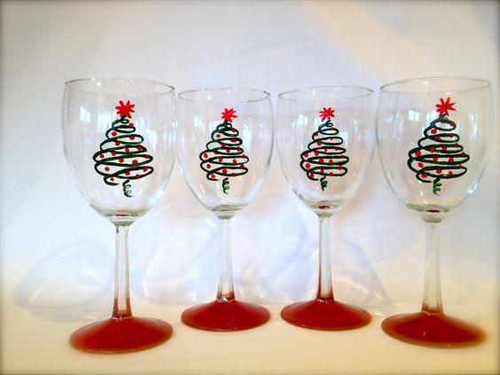 Christmas wine glasses christmas wine and wine glass on for Christmas painted wine glasses pinterest