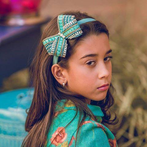 Linda tiara da coleção verão 2016 Drilú Acessórios. Peças lindíssimas bordadas…