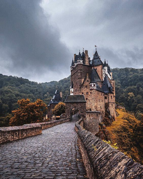 """J A C O B R I G L I N on Instagram: """"• Eltz • Cheeky early Throwback Thursday (even thought it's a Wednesday) to the first location on mine and @lmt_'s Europe adventure! Last night of our trip tonight so I thought I'd post a classic Eltz Castle shot for you all! Enjoy! Riding with @VauxhallMotors ❤️ Follow our journey through Europe with the hashtag #LJTakeEurope 5D MK3 w/ 16-35mm f/4 