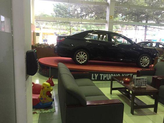 Thay Thế Hệ Thống Kiểm Soát Cửa Tại Toyota Lý Thường Kiệt