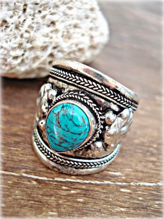 Beautiful Turquoise Boho Ring: