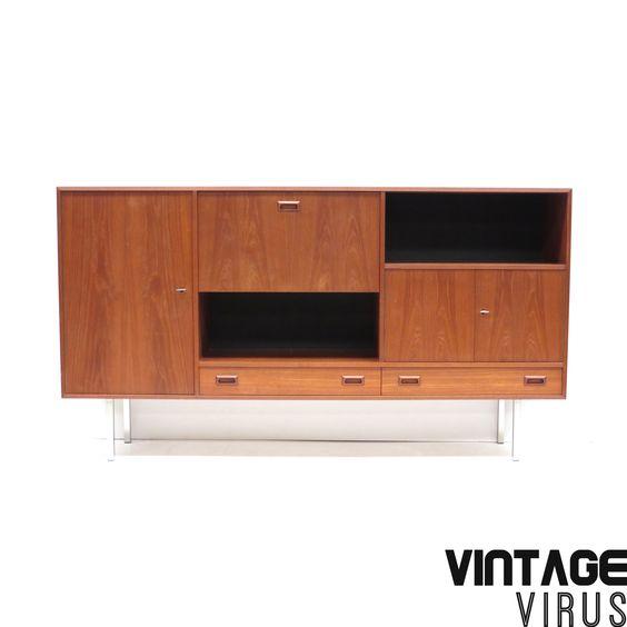 Vintage highboard / dressoirkast van teakhout met metalen poten uit de jaren '60