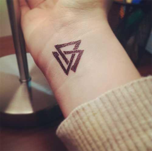20 Fotos Triangulos Tatuajes Dibujos Significado Dibujos Fotos Significado Tatuajes Triangulos Tr Tatuaje De Triangulo Triangulos Tatuaje Triangulo