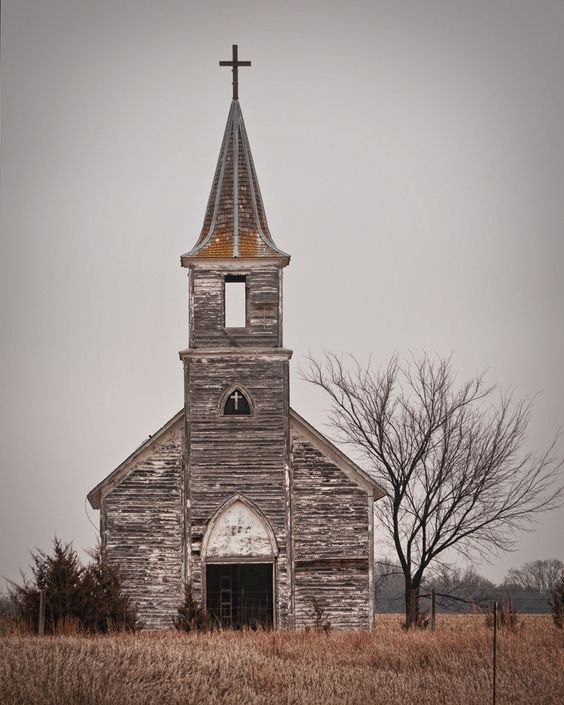 I don't know how many times I've driven by this beautiful old church.: