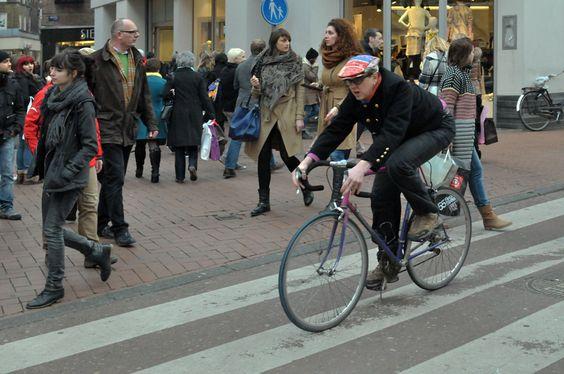 stoer vent en stoer fiets in amsterdam