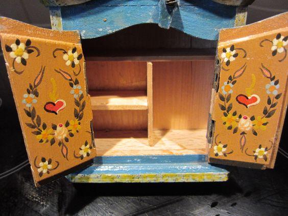 Dora Kuhn Puppenstube, Puppenhaus mit Möbel Bauernmalerei in Antiquitäten & Kunst, Antikspielzeug, Puppen & Zubehör | eBay