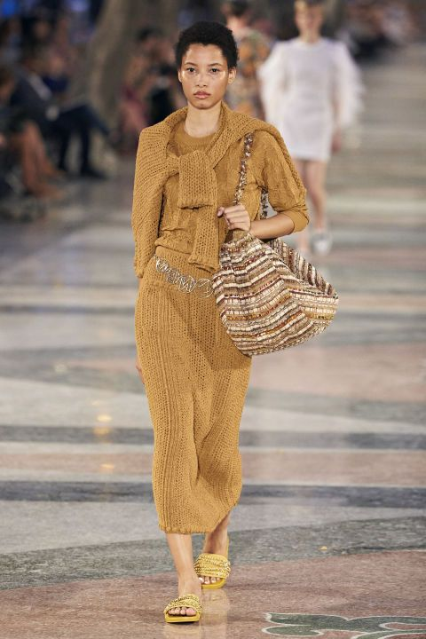 Chanel Cruise Fashion Show in Cuba - Chanel Cruise 2017 Cuba Runway