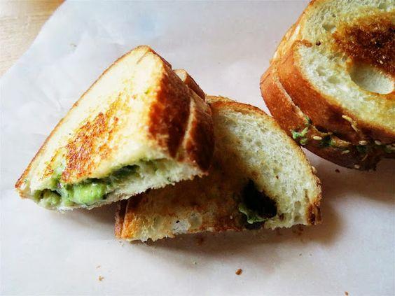 Gooey, Garlicky Spinach Grilled Cheese || Black Spruce Hound