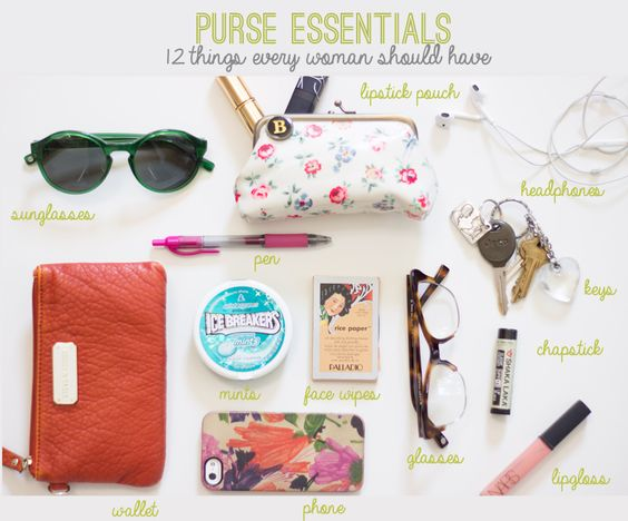 purse essentials / 12 things every woman should have / reality and retrospect