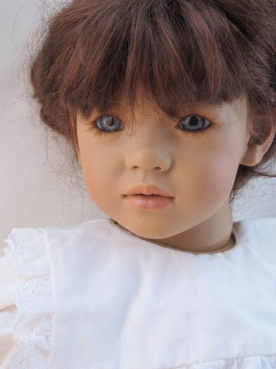 Annette Himstedt Vinyl LILIANE, dark auburn wig, All original, box, coa #AnnetteHimstedt #Dolls