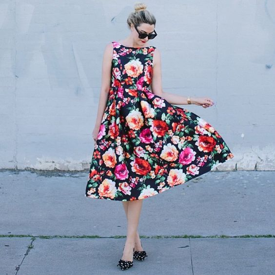 Blooms! #chicwish Exotic Amorous Floral Prom dress sku: D20150129010 #chic #floral #floraldress #promdress #blossom #spring #summer #mididress #midi #ootd #outfit #blogger #fashion #fashionblogger #womenfashion #girl #shop #sale