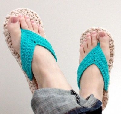 crochet flip flops 400x378 5 Mamachee Crochet Patterns to Pretty Up ... www.crochetconcupiscence.co...