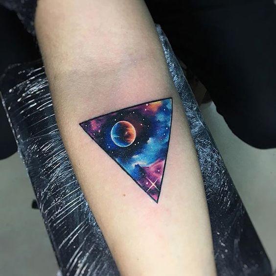 TrGXP #tattoo #tatuaje #galaxy #galaxia #space #colors #star #estrellas #nebulosa #triangl #geometry #espacio #adrianbascur #ink #planet