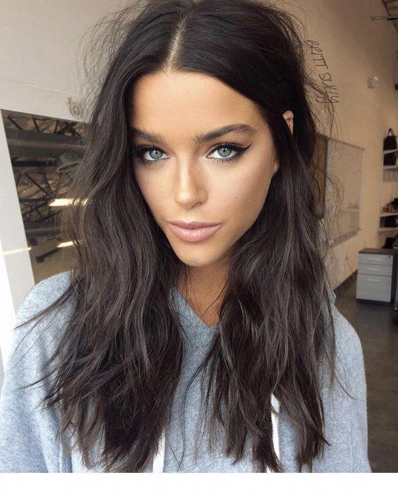 Ash Brown Hair And Blue Eyes Inspiring Ladies Brownhair In 2020