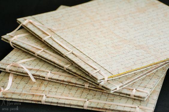 Álbuns em costura japonesa, papel decorativo, miolo em papel vergê. Para os colaboradores de Solar Bezerra de Menezes.