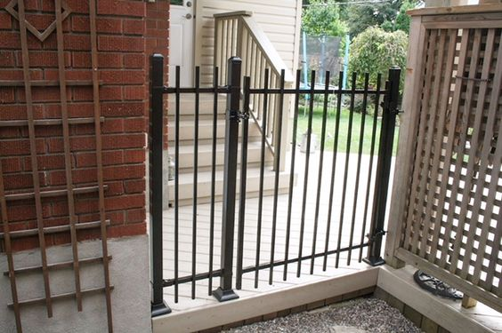 Manhattan Iron Gate With Images Iron Gate Iron Gates Iron Fence