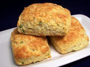 Cheddar Cornmeal Biscuits with Chives | To Try - Breads and Sweets ...