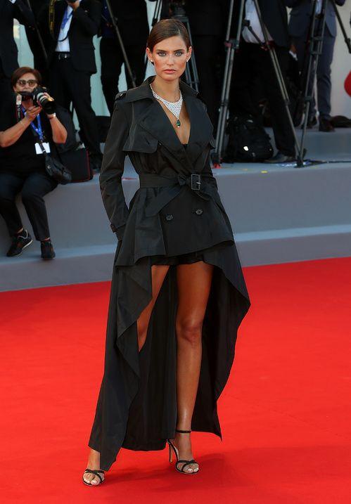 Bianca Balti en Jean Paul Gaultier mostra de venise