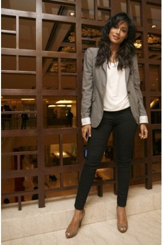 gaaaaaaaahhhhhhh love her. Chitrangada Singh Pics, Vogue Cover Girl | Vogue INDIA
