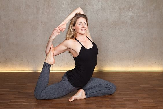 Bei Airyoga in München, könnt Ihr im Rahmen unseres Urban Yoga München ganz viel Yoga machen :)