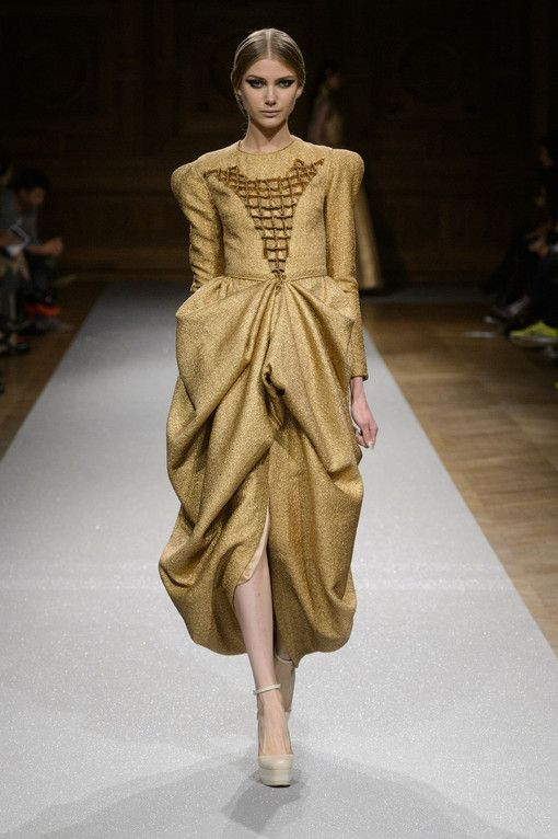 Oscar Carvallo Fall 2014 Couture、