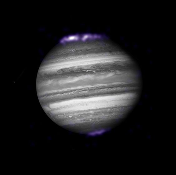 Jupiter: Chandra Examines Jupiter During New Horizons Approach   Date: 28 Feb 2007