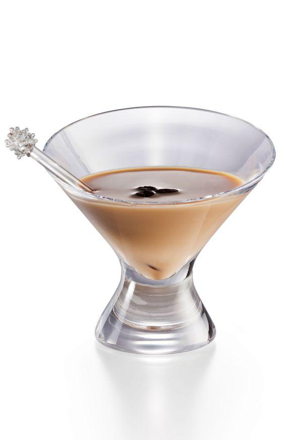 Conheça alguns drinks com cachaça para aquecer o seu inverno